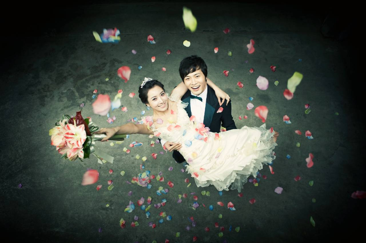 outdoor photo shoot for wedding in singapore